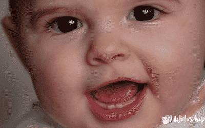 """Ząbkowanie, czyli """"Zębowy koszmar"""" – okołopieluchowe przypadłości i jak sobie z nimi radzić"""