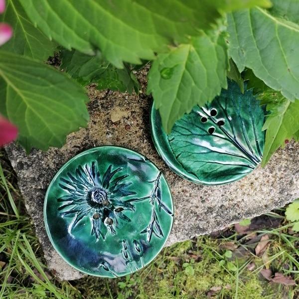 mydelniczka ceramiczna z dziurkami kwiat 6 Ręcznie robione mydelniczki ceramiczne z dziurkami. Wybierz wariant :) Więcej zdjęć poszczególnych wariantów w opisie produktu.
