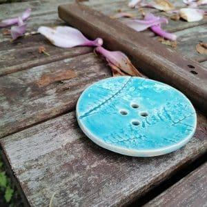 mydelniczka ceramiczna z dziurkami liscie paproci 1 Ręcznie robione mydelniczki ceramiczne z dziurkami. Wybierz wariant :) Więcej zdjęć poszczególnych wariantów w opisie produktu.
